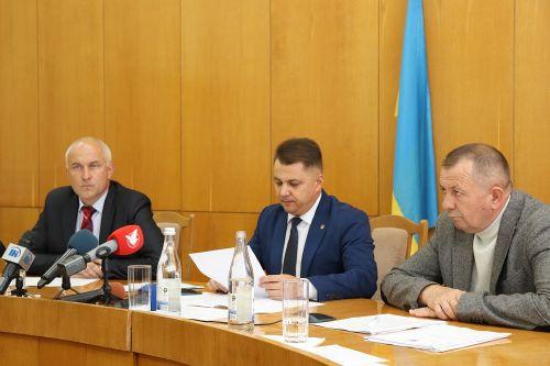 Віктор Овчарук: Усі фракції одностайно спільно із громадськими організаціями виступили єдиною силою на захист цілісності та незалежності нашої держави