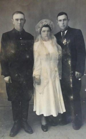 Молодята з Тернопільщини, які одружилися півстоліття тому, «засвітилися» в інтернеті (фотофакт)