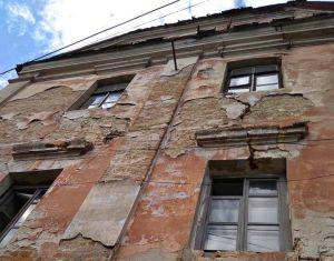 Знамениті будинки-близнюки на Тернопільщині знаходяться у вкрай жахливому стані
