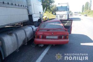 ДТП на Тернопільщині: Ford опинився під колесами вантажівки DAF