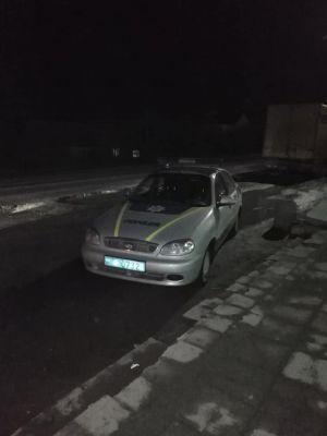 Поліцейські стали порушниками закону у Кременці (фотофакт)