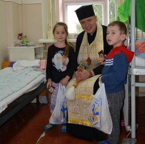 М'який та солодкий сюрприз отримали у Тернополі хворі діти (фото)