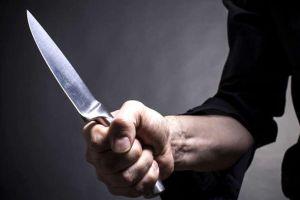 У Тернополі чоловік з ножем напав на молоду дівчину