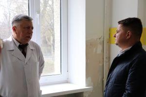 Уже цього місяця в Теpнополі відкpиють кpаще в Укpаїні відділення дитячої онкогематології
